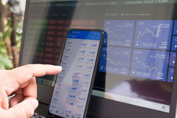 Day Trading vs. Investing - What's the Difference