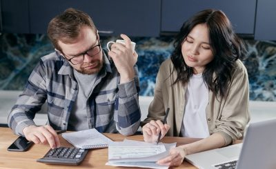 Pros And Cons Of Consolidating Debt With a Mortgage Refinance