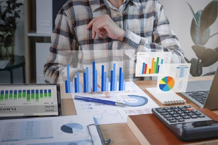 financial consultant in business transformation